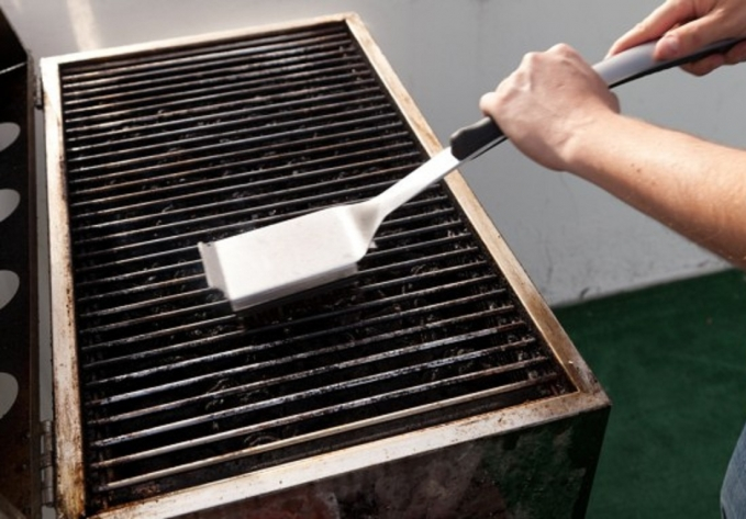 Como limpar uma churrasqueira americana
