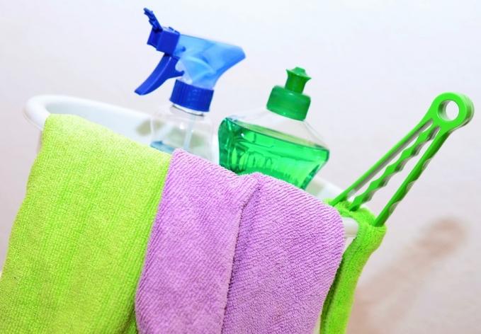 Saiba para que serve cada tipo de produto de limpeza