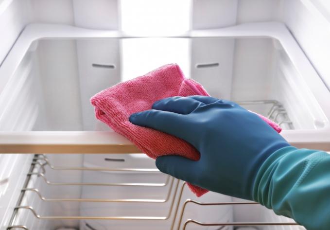 Remover cheiro ruim da geladeira