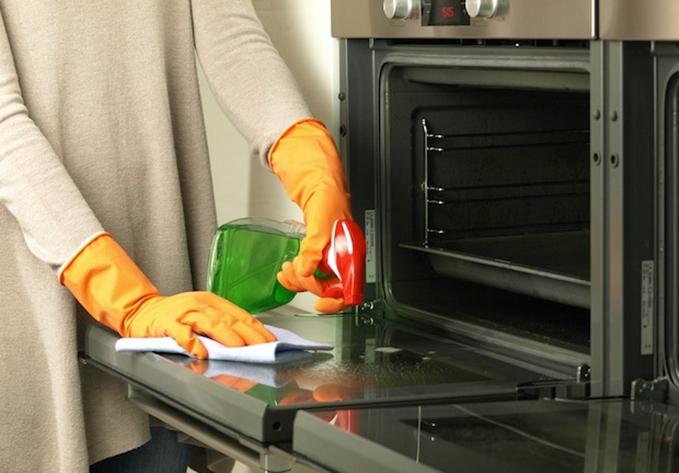 Como limpar o forno facilmente